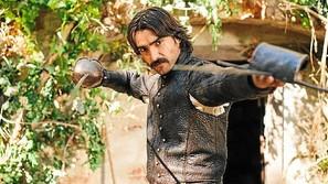 Aitor Luna, metido en el papel de 'Alatriste', rol histórico en el que se transforma enseguida.