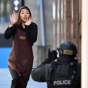 Una rehen huye en Sídney del lugar del secuestro