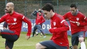 Rico, Unai López y Viguera, con Aduriz al fondo, en el entrenamiento de ayer.