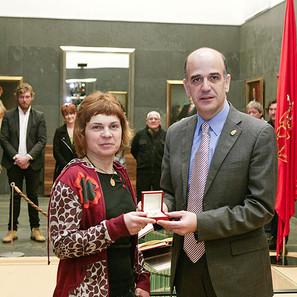Itxaso Lete, con Alberto Catalán, presidente del Parlamento.