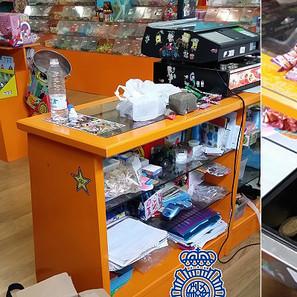 En la imagen, imágenes tomadas por la Policía del interior de la tienda de golosinas de Villava.