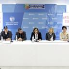 la consejera de Educación y Cultura, Cristina Uriarte, y Edurne Ormazabal de EiTB (3d), presentan un plan del Gobierno Vasco y EiTB y las asociaciones profesionales del sector, para la promoción del consumo de productos culturales vascos.