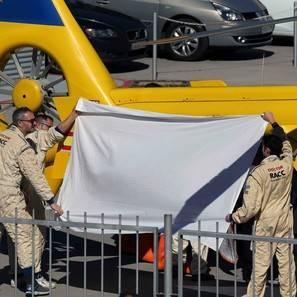 Fernando Alonso es evacuado en helicóptero tras su accidente.