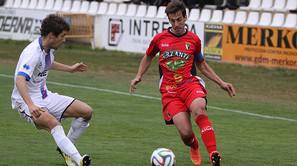 Fernando Lumbreras, a la derecha, en un partido anterior.