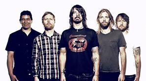 Dave Grohl, ex de Nirvana, en el centro de la imagen junto al resto de componentes de Foo Fighters.