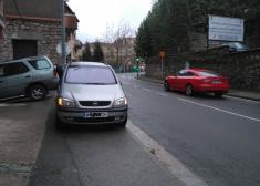 Más coches obstaculizando