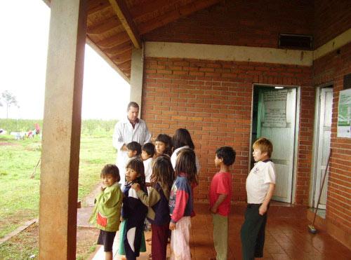 Mbya Guarani komunitateari bisita 2008 (02)