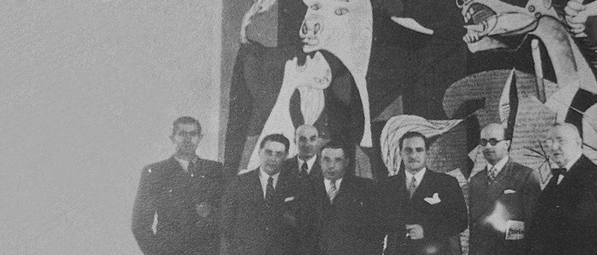 Jose antonio Agirre lehendakaria Pablo Picassoren Gernika koadroaren aurrean