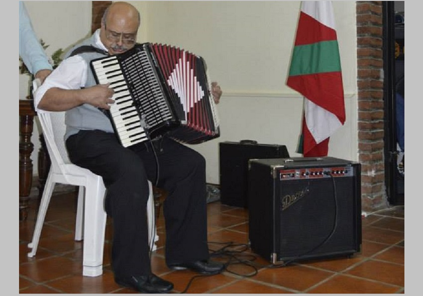 Fabian Maya, profil baxuko musikari handia
