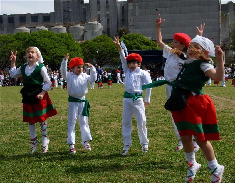 Euskal Jaia 2008 Euskal Echea eskolan (6)