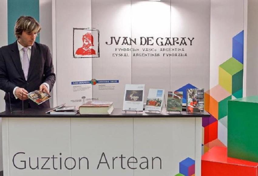 Juan de Garay Fundazioa Liburu Azokan