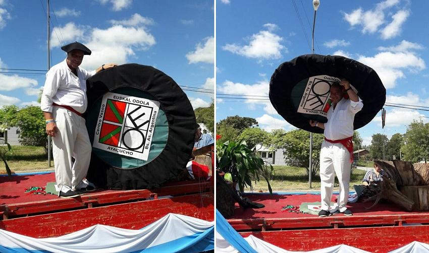 Una txapela gigante con el logo de la euskal etxea representó a los vascos en la Fiesta del Ternero de Ayacucho