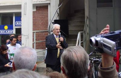 Piarres Xarriton at the inauguration in 2003 of the new headquarters of Eskual Etxea of Paris (photo JE-EuskalKultura.com)