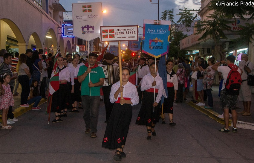 Inaugurazio Desfilea