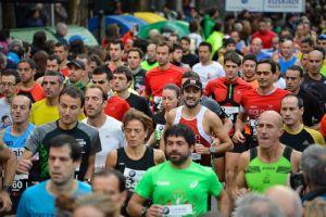 Vïdeo de la entrada en meta de todos los atletas de la Medio Maratón de San Sebastián