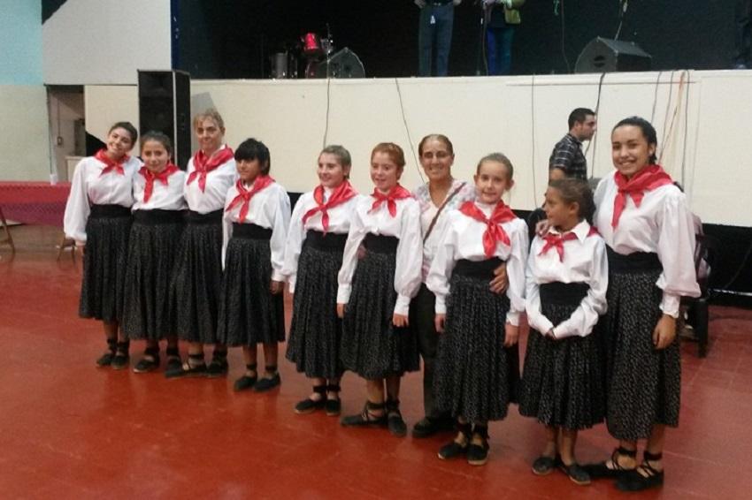Euskal Etxeko dantzariak