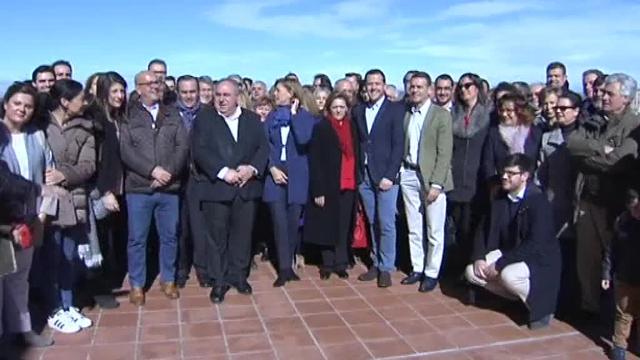 Rajoy reúne a sus líderes territoriales tras el avance de Ciudadanos en las encuestas