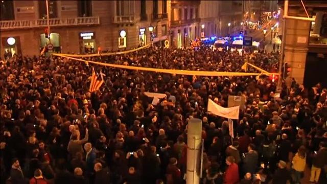 La presencia del rey Felipe VI enciende los ánimos en Barcelona