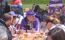 500 peñistas del Real Valladolid disfrutaron de su día en los Anexos