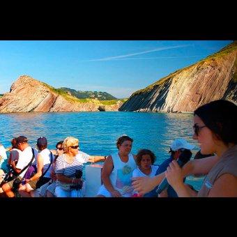 Geoparkea - De Zumaia a Deba en barco - Travesía por mar por los acantilados del flysch (euskera) en Zumaia