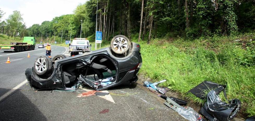 Un muerto y un herido en un accidente en la variante de Donostia