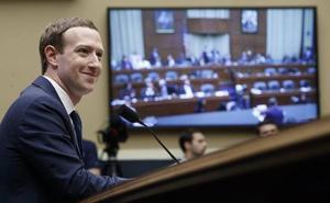 Facebook reorganiza su directiva, pero Zuckerberg sigue al mando