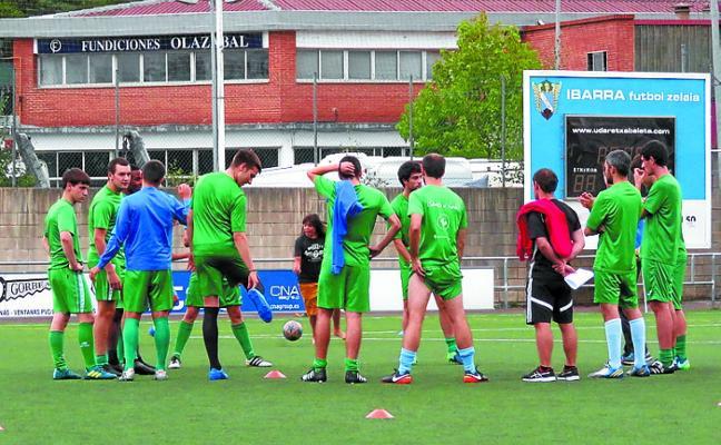 El Preferente de fútbol de Aretxabaleta a ganar en Ordizia y a esperar resultados