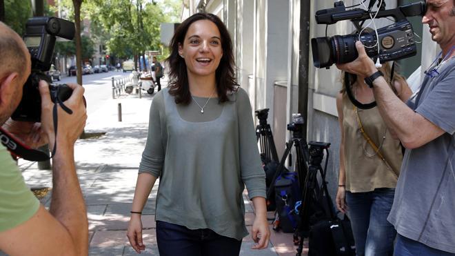 Sánchez traslada a sus barones la decisión firme de votar 'no' a Rajoy