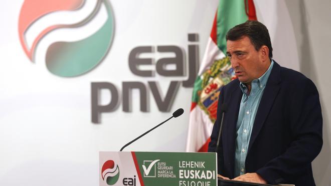 Rajoy recibirá mañana al PNV en la Moncloa