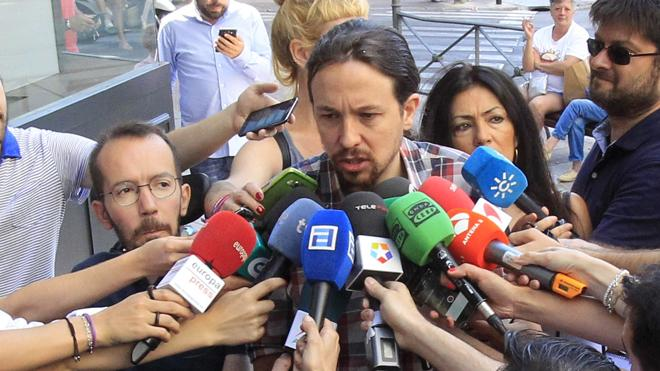 Iglesias tiene los «oídos bien abiertos» por si Sánchez intenta «otro tipo de gobierno o acuerdo»