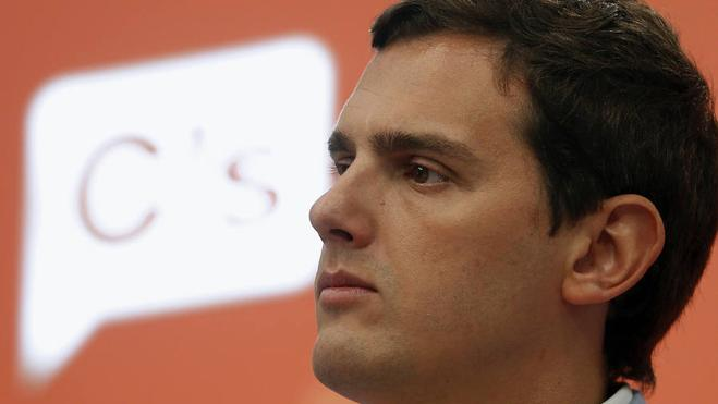 Rivera cree que Rajoy gobernará con la abstención del PSOE