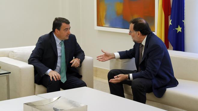 El PNV avanza su 'no' a Rajoy pero no cierra la puerta a acuerdos puntuales