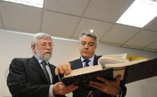 Rajoy mueve ficha con las víctimas y cita a las asociaciones este jueves en Madrid