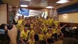 La tripulación de Orio celebra su victoria en La Concha