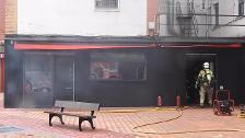 Una persona atendida por inhalación de humo en el incendio de un bar de Cruces