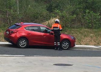 El acoso a los coches sigue fuera de Zuatzu.,,