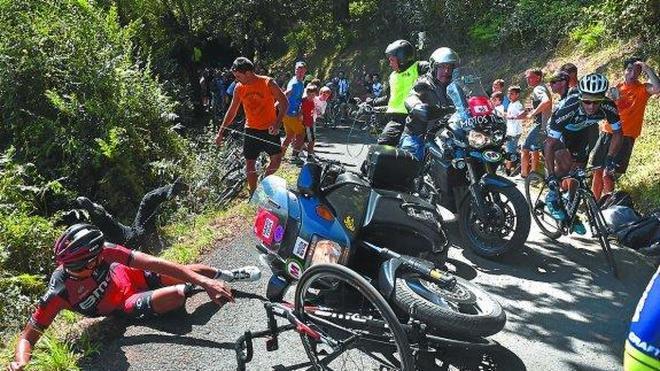 La organización de la Clásica San Sebastián achaca a la falta de imágenes el exceso de motos en Bordako Tontorra