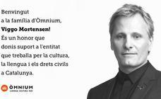 Viggo Mortensen se hace socio de Òmnium Cultural