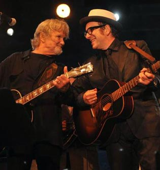 Kris Kristofferson y Elvis Costello