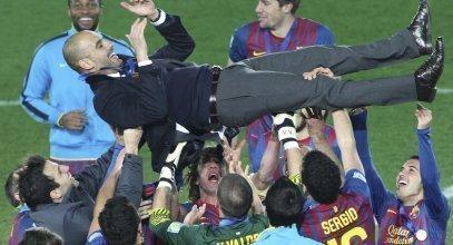 Guardiola, con los futbolistas