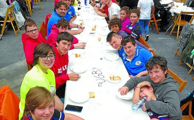 Agradecimiento al Eibar Rugby Taldea del Consejo de Solidaridad de Ermua