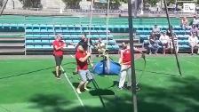 Buen ambiente y mucha diversión en la 'Fan Zone' de Bilbao