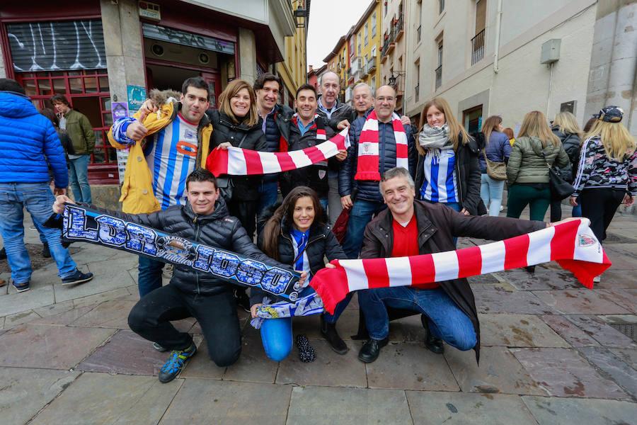 Aficiones del Alavés y del Athletic disfrutan juntos horas antes del partido