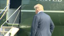 Melania es ingresada por un problema de riñón y Trump acude a visitarla