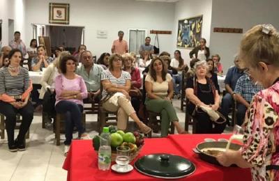Marita Echave preparó recetas vascas en la Euskal Etxea de Trenque Lauquen