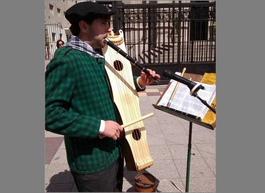 Zuzeneko euskal musikarekin