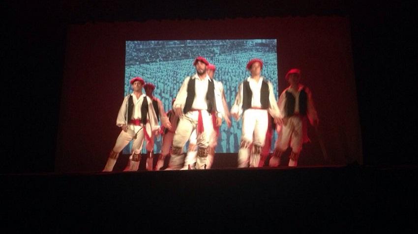 Guztira hemeretzi dantza egin zituen Bahia Blancako taldeak