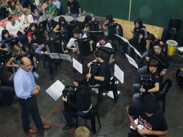 Euskal Astea - Aretxabaletako Akordeoi Orkestra